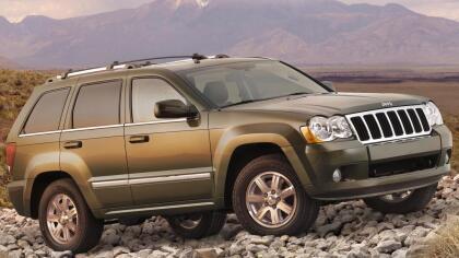 <b>Todoterreno: Jeep Grand Cherokee 2005-2010</b> <br>La Grand Cherokee ha sido un todoterreno competente y capaz en todas sus generaciones, pero es la tercera la que en este momento combina una juventud relativa con un precio asequible.  <br> <br> <b>Ideal</b>: para quien la guste viajar con la familia haciendo un  <b>desvío ocasional por vías no pavimentadas</b>.
