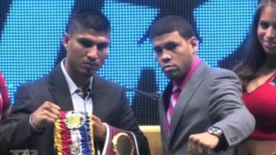 Gana un guante de boxeo firmado por Juan Manuel López y Mikey García