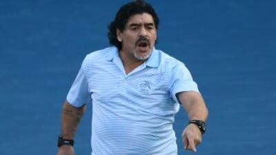 Maradona, dispuesto a negociar su fichaje como entrenador del Montpellier
