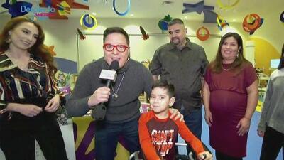 Raúl González conoció a un pequeño campeón que gracias al Teletón USA dijo adiós a su silla de ruedas