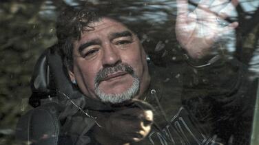 """Maradona acusa a su exesposa de """"ladrona"""" y asegura que podría ir presa"""