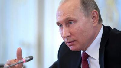 Putin reacciona con una dura retórica bélica pero sin responder militarmente al ataque aéreo de EEUU y sus aliados