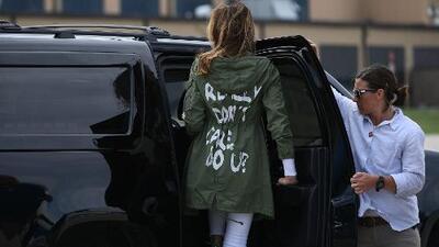 """""""A mí realmente sí me importa, ¿a ti no?"""": con este mensaje escrito en chaquetas le contestan a Melania Trump"""