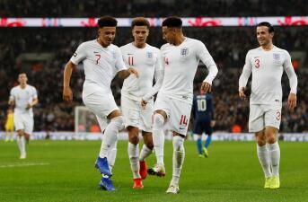 En fotos: Inglaterra bailó a un inofensivo Estados Unidos en juego de despedida a Rooney