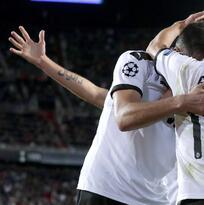 El Valencia vive y se aferra a la Champions