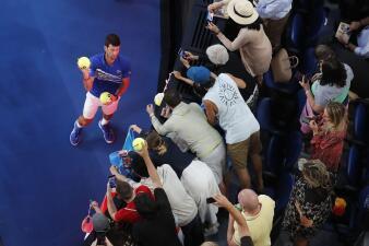 En fotos: la pasión que despierta Novak Djokovic con su paso a la Semifinal en Australia