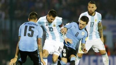 Sin brillo, Uruguay y Argentina igualan sin goles