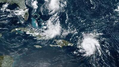 Dorian se convierte en huracán categoría uno y amenaza con golpear a Puerto Rico