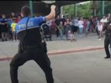 En video: El baile de 'tacos con la policía' que se viraliza en redes