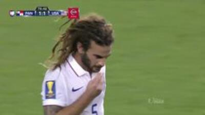 Disparo afuera de Kyle Beckerman