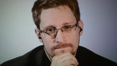 Edward Snowden confiesa que buscó pruebas sobre extraterrestres entre los archivos del Gobierno y no encontró nada
