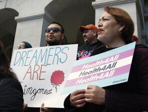 Esta es la polémica propuesta de cobertura médica para jóvenes inmigrantes indocumentados de California