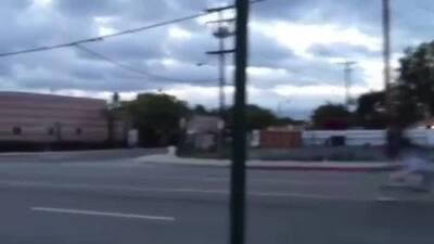 Mujer se fugó de la policía en bicicleta