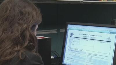 Colapsa la web de la Lotería de Visas 2020 y muchos inmigrantes no pueden saber si fueron seleccionados