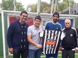 El 'Loco' Abreu firmará con el club número 30 de su carrera