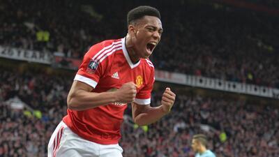 Martial estaría molesto por darle el 9 a Zlatan en Manchester United