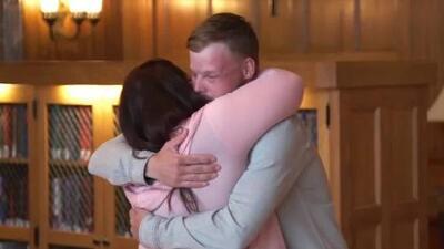 Una viuda se ve cara a cara con el hombre que tiene el rostro de su esposo tras recibir un trasplante