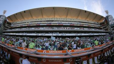 Esto gastan los aficionados mexicanos en los estadios