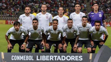 Corinthians se sumó a Gremio donando dinero, comida y medicinas en visitas a Venezuela
