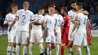 En fotos: Finlandia se repuso de la derrota con Italia y venció a Armenia por 2-0