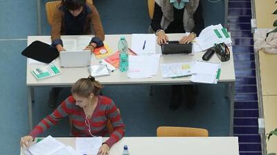California ofrece dos años de estudios gratis en colegios comunitarios para apoyar la educación