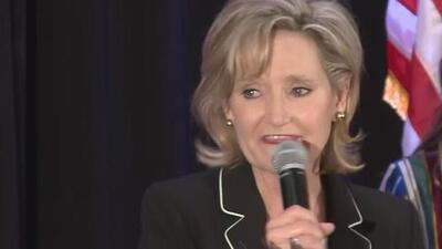 """Cindy Hyde-Smith, quien dijo que iría a un """"ahorcamiento público"""", ganó elección especial en Mississippi"""