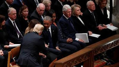 Por si te lo perdiste, este es el saludo entre los Trump y los Obama en el funeral del expresidente Bush