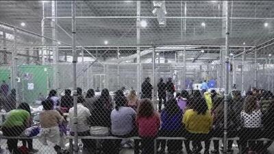 ¿Qué derechos tienen los inmigrantes bajo custodia del gobierno de EEUU?