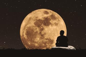 ¡El último eclipse de Luna del año te ayuda a tomar importantes decisiones! Descubre por qué