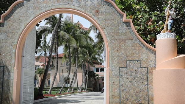 Miembros del club de Florida Mar-a-Lago se van por la llegada de Trump