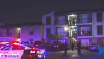 La policía busca al responsable de apuñalar a tres personas en el noroeste de Dallas