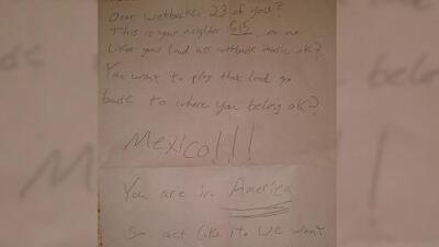 """""""Queridos espaldas mojadas"""": la carta racista de un vecino a una familia mexicana"""
