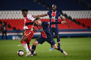 Con goles de Sofiane Dip al 6' y Guillermo Maripán al 51, Monaco vence 0-2 al PSG. Monaco espera otro error del PSG para adueñarse de la tercer plaza del torneo.