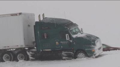 Primera tormenta de la temporada invernal dejó al menos 350 accidentes de tránsito