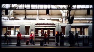 Apagón provoca retrasos y fallas en el servicio de varias líneas del tren en Penn Station