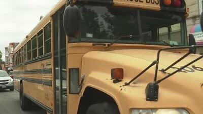 Presentan iniciativa para incrementar la seguridad de los autobuses escolares públicos en todo el país