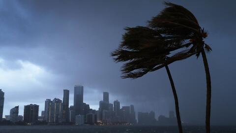 Las fuertes lluvias se irán del sur de Florida, pero el frío y los vientos se quedan