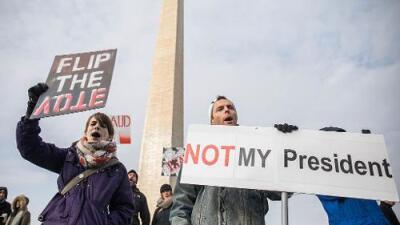 Los tres presidentes que sufrieron más protestas en la toma de posesión empezaron regular y acabaron peor