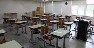 Suspenden clases presenciales en preparatoria de Houston por casos de coronavirus
