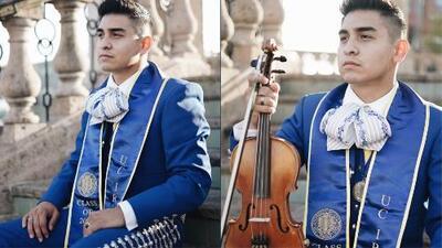 Este dreamer celebró su graduación honrando sus orígenes mexicanos con traje de mariachi