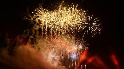 Pese a diversas advertencias, fuegos artificiales ilegales son usados durante celebración del 4 de julio