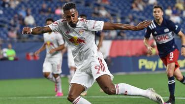 New York Red Bulls extiende la cesión del delantero Fabio