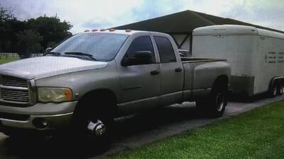 El drama de una pareja de jardineros hispanos a quienes les robaron una camioneta y el remolque