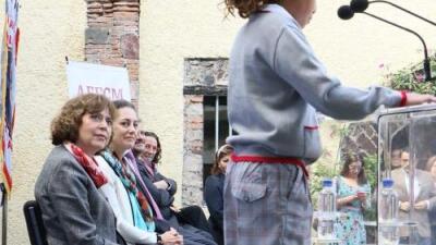 """¿Niños con faldas en el colegio? El """"uniforme neutro"""" que busca igualdad crea polémica en México"""