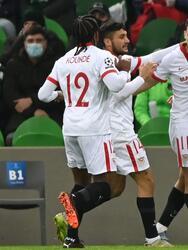 Chelsea se impone a Rennes 2-1 con goles de Callum Hudson Odoi al 22 y de Oliver Giroud al minuto 91. Guirassy descontó el único gol para su equipo al 85. Por otro lado, Sevilla alcanza a sacar victoria ante el Krasnodar 2-1. Rakitic abrió marcador, pero Campos empató al minuto 56. Haddadi le da la victoria al club español de último minuto en la Champions League.
