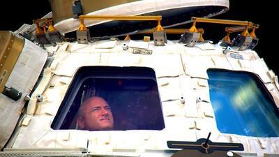 Tras 340 días en el espacio, Scott Kelly regresa a la tierra