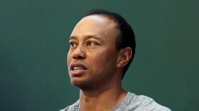 """Tiger Woods afirma que está en tratamiento para controlar """"uso de medicamentos"""""""