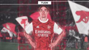 Con 17 años de edad, Marcelo Flores firma su contrato con el Arsenal