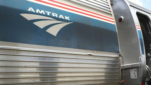 Mejoran las condiciones de salud del empleado de Amtrak baleado en la estación de Metra en Naperville