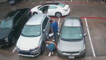 """""""¿Qué está haciendo?"""": familia en Irving descubre a un hombre intentando robar el catalizador de su auto"""
